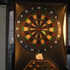 Bong Bar's darts